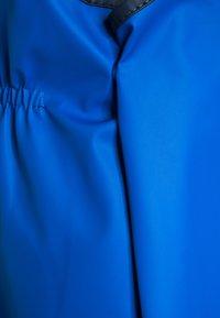 Playshoes - REGENANZUG HAI ALLOVER SET  - Pantalon de pluie - blau - 6