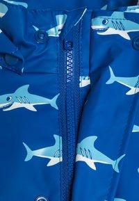 Playshoes - REGENANZUG HAI ALLOVER SET  - Pantalon de pluie - blau - 4