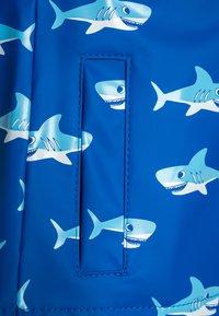 Playshoes - REGENANZUG HAI ALLOVER SET  - Pantalon de pluie - blau - 5