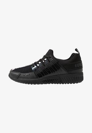 RUNNER UNSTOPPABLE - Sneakers - black