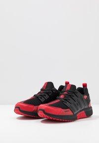 Plein Sport - RUNNER UNSTOPPABLE - Sneaker low - black/red - 2