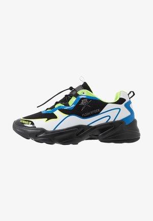 RUNNER LOGOS - Sneakers basse - green