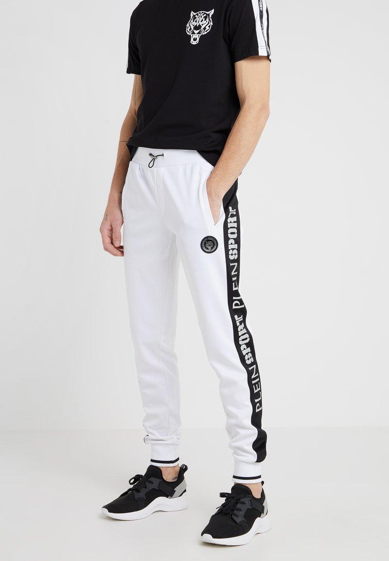 Plein Sport - JOGGING TROUSERS  - Pantalon de survêtement - white