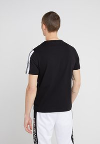 Plein Sport - ROUND NECK ORIGINAL - T-shirt print - black - 2