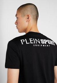 Plein Sport - ROUND NECK - T-shirt print - black - 3