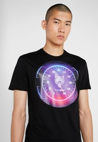 Plein Sport - ROUND NECK - T-shirt print - black - 5