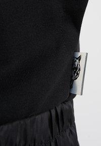 Plein Sport - HOODIE STATEMENT - Strikjakke /Cardigans - black - 6