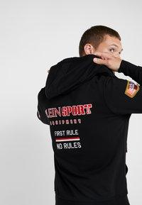 Plein Sport - HOODIE STATMENT - Felpa aperta - black - 3