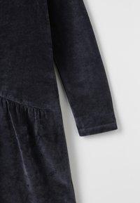 Play Up - VELVET DRESS - Sukienka letnia - dark blue - 5