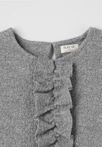Play Up - PLUSH DRESS - Sukienka letnia - grey - 4