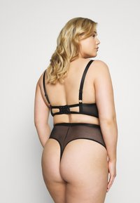 Playful Promises - FENELLA GRAPHIC LINES LONGLINE BRA WITH EYELASH - Beugel BH - black - 3