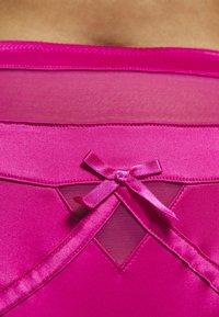 Playful Promises - MADELINE BONDAGE BRIEF CURVE HOT - String - pink - 4