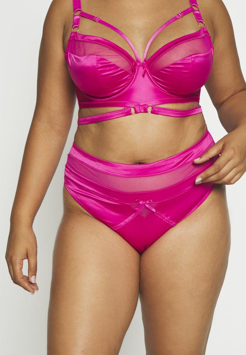 Playful Promises - MADELINE BONDAGE BRIEF CURVE HOT - String - pink