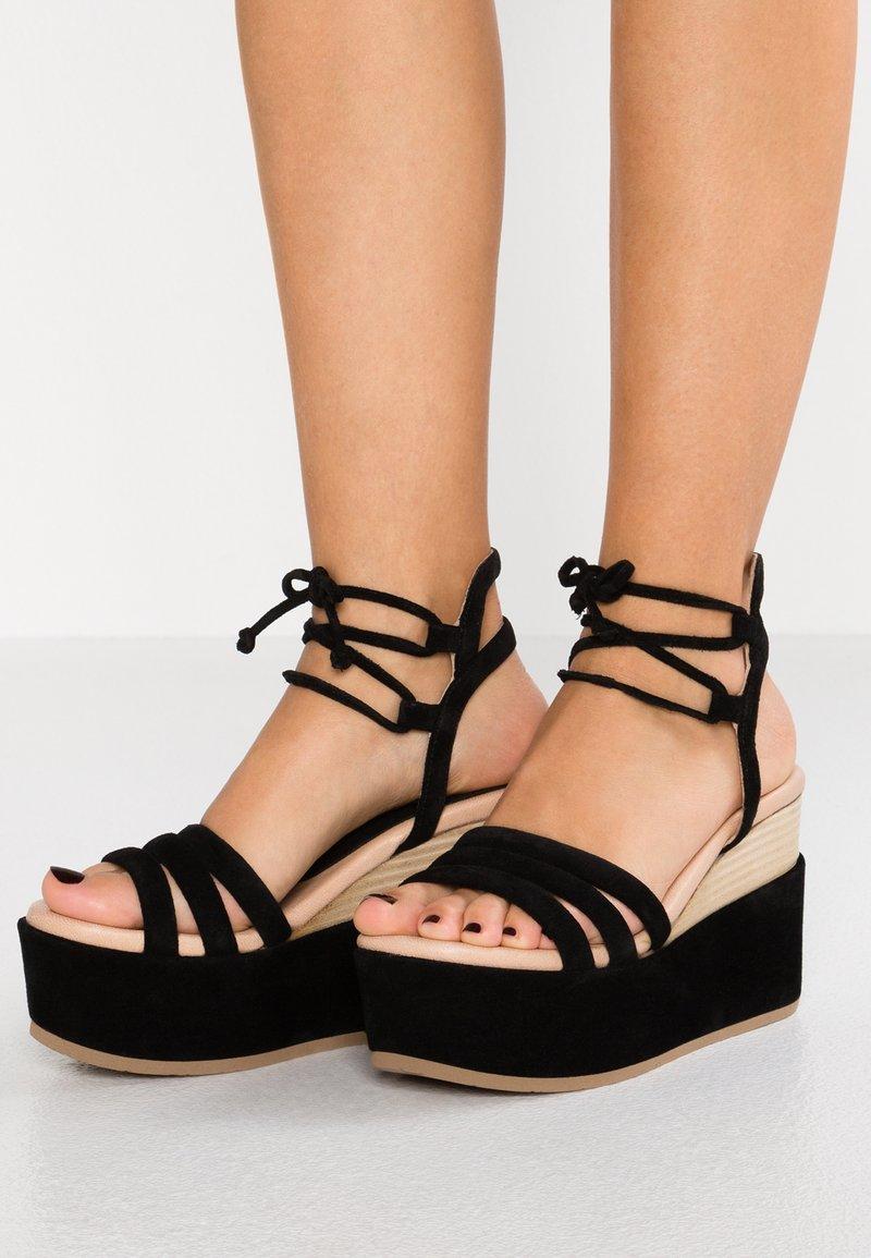 Pedro Miralles - CUNA - Korolliset sandaalit - black