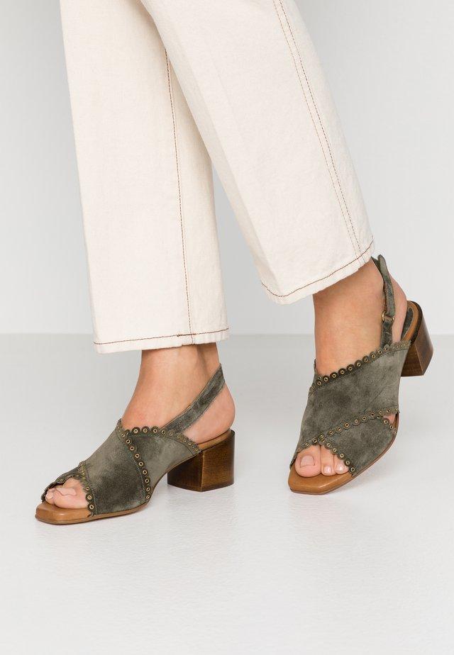 Sandały - kaki