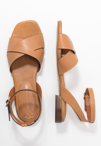 Pedro Miralles - Sandals - nature - 3