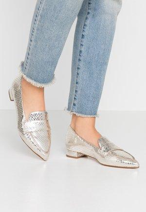 Loafers - metal platino