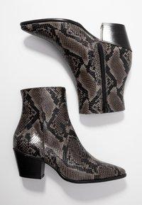Pedro Miralles - Cowboy/biker ankle boot - asphalt - 3