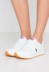 Polo Ralph Lauren - CLASSIC RUN - Sneaker low - white - 0