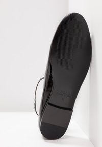 Polo Ralph Lauren - KINSLEY FLATS CASUAL - Ballerine con cinturino - black - 6