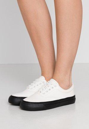 BRYN - Sneakers laag - white