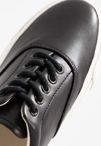 Polo Ralph Lauren - BRYN - Sneakers basse - black - 2