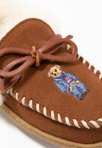 Polo Ralph Lauren - MARCIE - Domácí obuv - snuff - 2