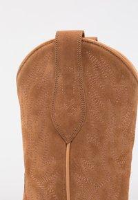 Polo Ralph Lauren - DAYNA - Stivali texani / biker - natural amber - 2