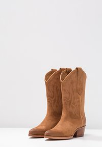 Polo Ralph Lauren - DAYNA - Stivali texani / biker - natural amber - 4