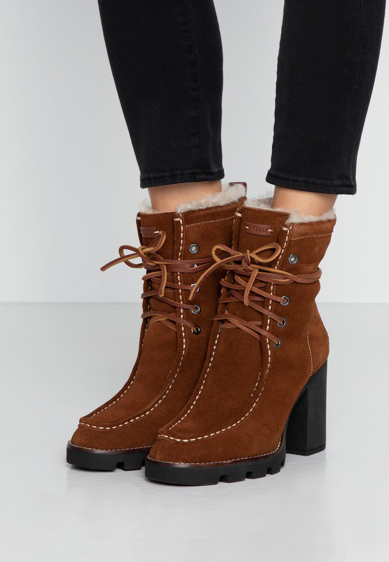 Polo Ralph Lauren - SCHULYER BOOTS CASUAL - High Heel Stiefelette - natural/snuff