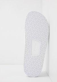 Polo Ralph Lauren - CAYSON - Muiltjes - white/navy - 4