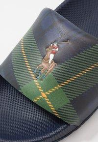 Polo Ralph Lauren - CAYSON CASUAL - Pantolette flach - newport navy - 5