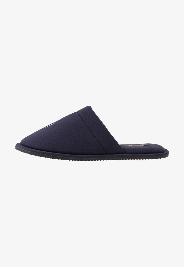 SUMMIT SCUFF - Slippers - navy/white