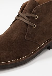 Polo Ralph Lauren - TALAN CHUKKA - Stringate sportive - chocolate brown - 5