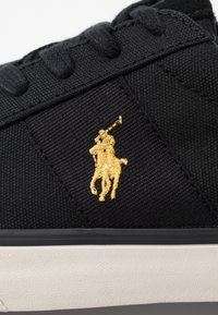 Polo Ralph Lauren - SAYER - Sneakers basse - black/gold - 5