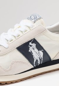 Polo Ralph Lauren - TRAIN - Sneakers basse - egret/white - 5