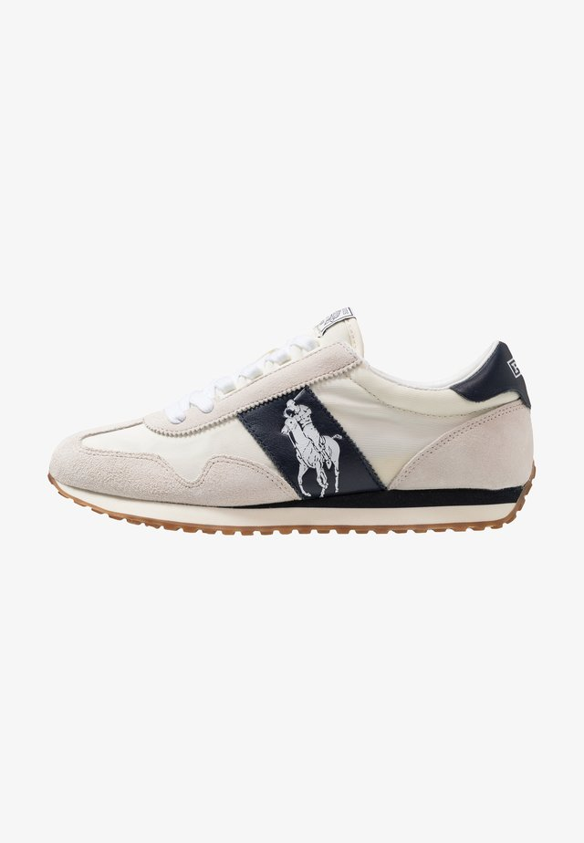 TRAIN - Zapatillas - egret/white