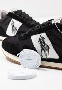 Polo Ralph Lauren - TRAIN - Matalavartiset tennarit - black/red - 5
