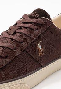 Polo Ralph Lauren - SAYER - Sneakersy niskie - dark brown - 5