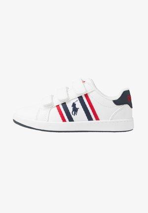 OAKLYN - Sneakersy niskie - white/navy/red