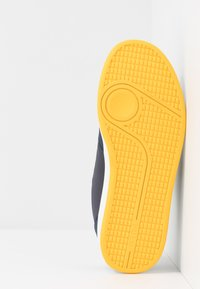 Polo Ralph Lauren - RONNIE  - Sneakers basse - navy/yellow - 5
