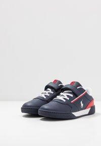 Polo Ralph Lauren - KEELIN - Sneakers laag - navy/red/white - 3
