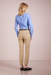 Polo Ralph Lauren - BISTRETCH - Trousers - burmese tan - 2