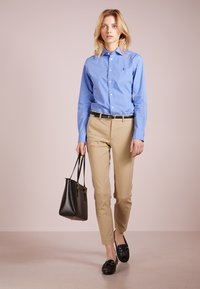 Polo Ralph Lauren - BISTRETCH - Trousers - burmese tan - 1