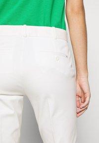 Polo Ralph Lauren - MODERN BISTRETCH - Chino - warm white - 5
