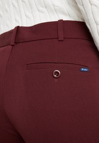 Polo Ralph Lauren - MODERN BISTRETCH - Pantalones chinos - ruby red - 4