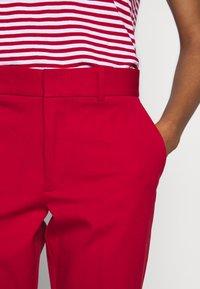Polo Ralph Lauren - MODERN BISTRETCH - Chino kalhoty - martin red - 6