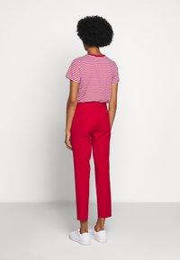 Polo Ralph Lauren - MODERN BISTRETCH - Chino kalhoty - martin red - 2