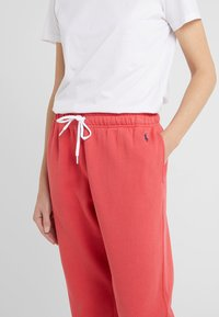 Polo Ralph Lauren - SEASONAL  - Pantalon de survêtement - spring red - 4