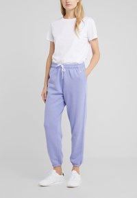 Polo Ralph Lauren - SEASONAL  - Pantalon de survêtement - east blue - 0
